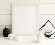 Modelo branco do quadro com artigos interiores Foto de Stock Royalty Free