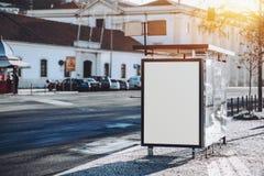Modelo branco vazio do placeholder do quadro de avisos Foto de Stock