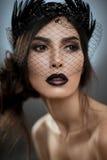 Modelo com o véu na cara fotografia de stock royalty free