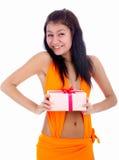 Modelo com presente Imagem de Stock
