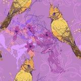 Modelo con el pájaro, el jacinto y las manchas blancas /negras de la pintura Foto de archivo libre de regalías