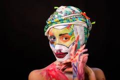 Modelo con maquillaje del arte foto de archivo libre de regalías