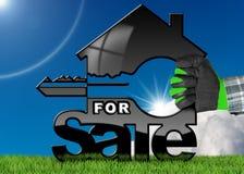 Modelo da casa com chave - para a venda Fotografia de Stock
