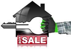 Modelo da casa com chave - para a venda Foto de Stock