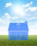 Modelo da casa de campo no gramado verde Imagens de Stock Royalty Free