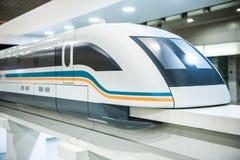 Modelo de alta velocidade do trem de Shanghai Maglev foto de stock