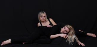 Modelo de duas mulheres Fotos de Stock Royalty Free