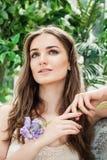Modelo de fôrma bonito da jovem mulher imagens de stock royalty free