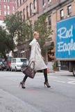 Modelo de forma Martha Streck após o desfile de moda de DKNY Imagens de Stock