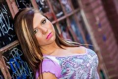 Modelo de forma 'sexy' da menina com cabelo marrom Imagem de Stock