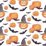 Modelo de la acuarela de Halloween con las calabazas, los palos, los fantasmas divertidos y la choza de la bruja en el fondo blan foto de archivo