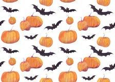 Modelo de la acuarela de Halloween con las calabazas, los palos, los fantasmas divertidos y la choza de la bruja en el fondo blan imagenes de archivo
