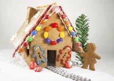 Modelo de la casa de pan de jengibre Imagen de archivo libre de regalías