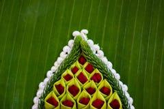 Modelo de la cesta flotante por la hoja del plátano para Loy Kratong Festiv Imagen de archivo