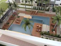 Modelo de la fiesta en la piscina Imágenes de archivo libres de regalías