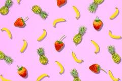 Modelo de la fruta fresca del dulce de verano para la endecha del plano del concepto del día de fiesta Fotografía de archivo libre de regalías