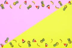 Modelo de la fruta fresca del dulce de verano para la endecha del plano del concepto del día de fiesta Foto de archivo