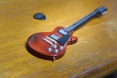Modelo de la guitarra Imagenes de archivo