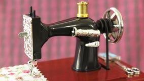 Modelo de la máquina de coser metrajes