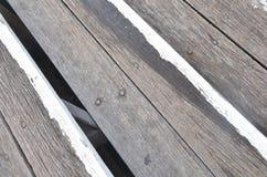 Modelo de la madera como viene aparte Fotos de archivo libres de regalías