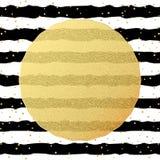 Modelo de la tarjeta de felicitación Confeti de los puntos de la hoja del brillo del oro en fondo blanco y negro rayado EPS 10 stock de ilustración