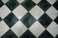 Modelo de mármol a cuadros verde y blanco del piso Imágenes de archivo libres de regalías