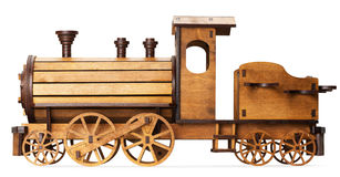 Modelo de madera del tren aislado en el fondo blanco Imagen de archivo
