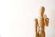 Modelo de madera en gesto de la parada imágenes de archivo libres de regalías