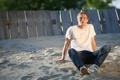 Modelo de manera en la playa Imagen de archivo