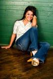 Modelo de manera ocasional de la mujer atractiva Fotografía de archivo libre de regalías