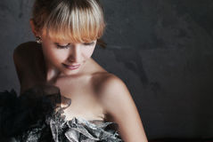Modelo de moda de la belleza Woman con el peinado de Fringle Muchacha rubia hermosa Fotos de archivo