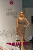 Modelo de moda en la moda 2013 de Kyiv Fotografía de archivo
