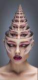 Modelo de moda Girl Portrait con maquillaje brillante concepto del retrato de una pirámide de retratos imagen de archivo libre de regalías