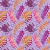 Modelo de moda tropical con las hojas exóticas Imágenes de archivo libres de regalías