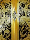 Modelo de nudo de la puerta del templo en Nonthaburi Tailandia Fotos de archivo libres de regalías
