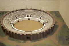 Modelo de Roman Amphitheatre em Chester England fotos de stock