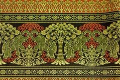 Modelo de seda tailandés del adorno. Foto de archivo