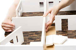 Modelo de tablero para cortar el pan de un interior Imágenes de archivo libres de regalías