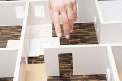 Modelo de tablero para cortar el pan de un interior Fotos de archivo libres de regalías