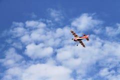 Modelo de um avião vermelho Fotos de Stock