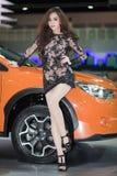 Modelo de Unkwon en vestido sexy en la trigésima expo internacional del motor de Tailandia Imagen de archivo libre de regalías
