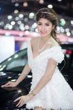 Modelo de Unkwon en vestido sexy en la trigésima expo internacional del motor de Tailandia Imagen de archivo