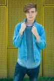 Modelo del adolescente en chaqueta azul Fotos de archivo libres de regalías
