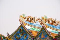 Modelo del arte del dragón en el tejado Foto de archivo