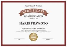 Modelo del certificado Conveniente para su compañía Mejore su visibilidad Logotipo profesional y eficaz Color y scal Editable fotografía de archivo