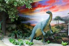 Modelo del dinosaurio en museo de la historia natural Imagen de archivo