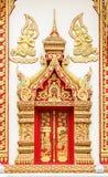 Modelo del estuco en la pared del templo Imagenes de archivo