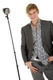 Modelo del hombre joven, pulgar en bolsillo Fotos de archivo libres de regalías