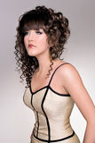 Modelo del pelo de la moda del salón Foto de archivo