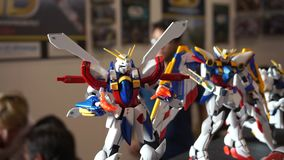 Modelo del robot japonés de Gundam en Romics, el festival del International XXIII de tebeos metrajes